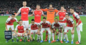 LONDON, ENGLAND - OCTOBER 20: Arsenal team before the UEFA Champions League match between Arsenal and Bayern Munich on October 20, 2015 in London, United Kingdom. (Photo by David Price/Arsenal FC via Getty Images)