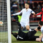 Cristiano Ronaldo Mencetak Gol, Apakah Curi Gol?